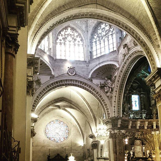 #catedralvalencia #Valencia #lovevalencia #loves_spain #loves_valencia #visitvalencia #igersvalencia #igerspain #movilphoto #valenciagram #valenciaenamora #cathedral