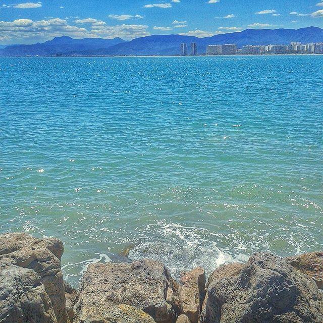 Arañando el verano #cullera #summertime #summer #beach #sea #clouds #cloudporn #naturaleza_comunidadvalenciana #comunitatvalenciana #valenciagram #valenciaterraimar #igersvalencia #igerscomunitat #valencia #valenciamola #blue #bluesky #loves_valencia #lovevalencia #turismovalencia #spain #europe #verano #vacation #holiday #instagood #instadaily
