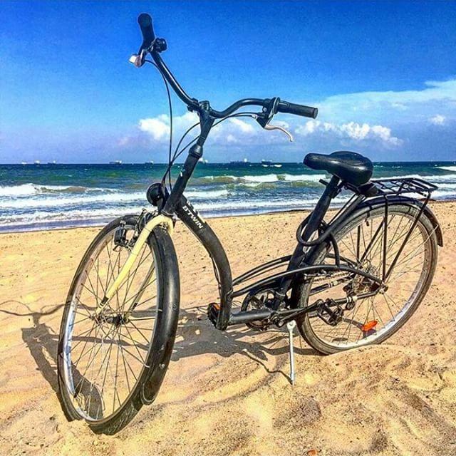 Ruta en bici hasta la playita. Reventaos es poco #TagsForLikes#instalike#instagramers#playa#beach#arena#pinedo#valencia#tbt#iphonesia#estaes_valencia#loves_valencia#lovevalencia#valenciaenamora#bike#route#picoftheday#photooftheday#photobeach#intaphoto