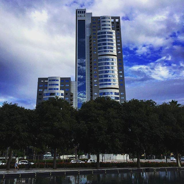 Nueva arquitectura #TagsForLikes#instalike#picoftheday#photooftheday#phothografyinthecity#skylinevalencia#skyline#ok_spain#ok_europe#loves_valencia#lovevalencia#valenciatoday#valencia#valenciagram#valenciamola#valenciaenamora#estaes_españa#estaes_valencia#estaes_espania#newarchitecture#comunitatvalenciana#