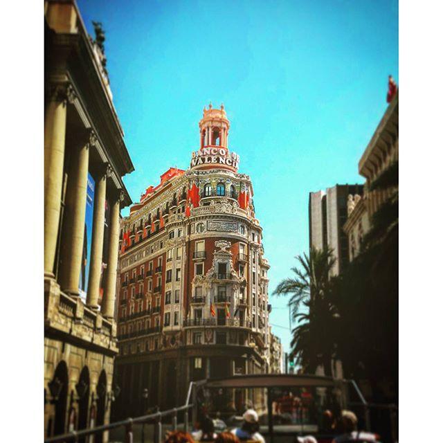 De ruta con el bus turistic #tagsforlikes#instalike#insta_world_life_#ok_valencia#estaes_valencia#loves_valencia#total_valencia#match_valencia#instalife_shot#total_cvalenciana#ok_europe#ok_spain#estaes_españa#teatroprincipal#turismospain#busturistic#lovevalencia#valenciagram#valenciatoday#valenciaenamora#instalife_shot
