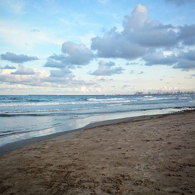 Portsaplaya #igersvalencia #lovevalencia #loves_valencia #loves_spain #visitvalencia #movilphoto #playa #beach #portsaplaya