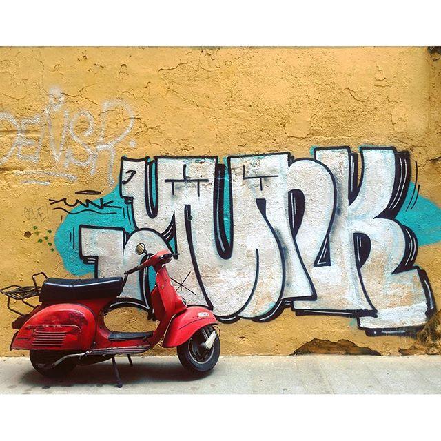 Las calles del Carmen? #valencia #españa #spain #street #streetart #instaart #instatravel #vespa #wall #grafitti #moto #lovevalencia #elcarmen