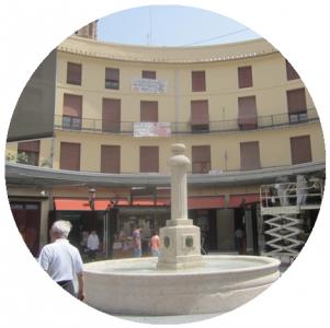 Piazza rotonda, Monumenti a Valencia,