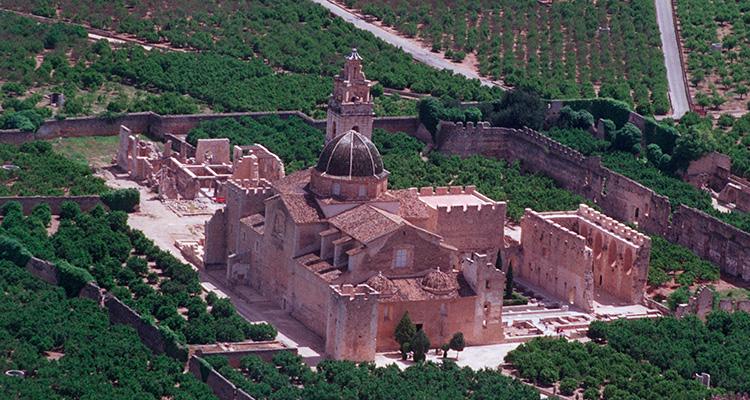 Un Fantasma En El Monasterio De La Valldigna Love Valencia