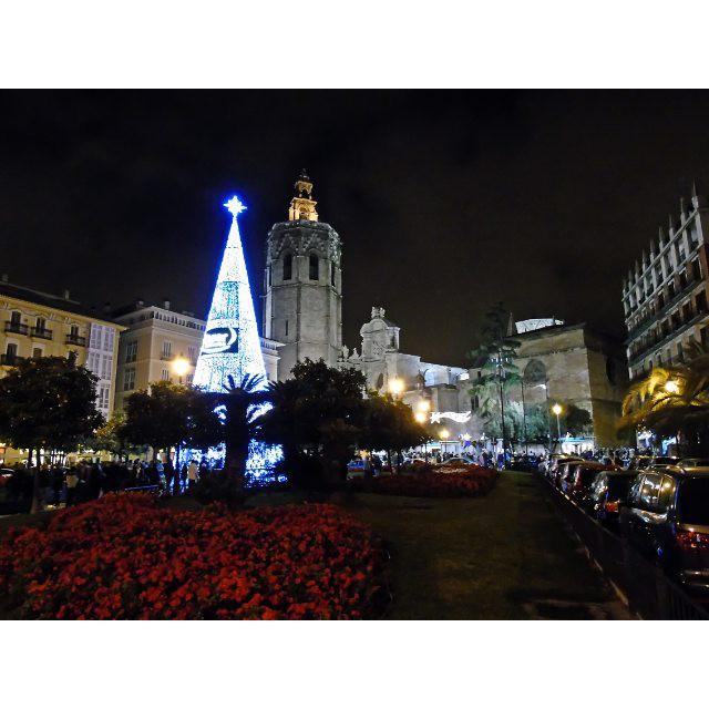 Feliz 2K16. ??? #valenciagram #plazadelareina #igersvalencia #igersespaña #loves_valencia #lovevalencia #sonydsch400