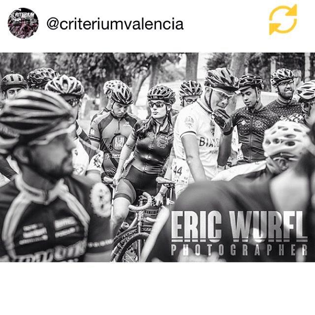 REgram @criteriumvalencia: Apostamos por las mujeres valientes / We trust the brave women. ?: @ericwurfl  #CriteriumValencia #2criteriumvalencia #Criteriumvalencia2015 #criteriumrace #trackrace #nobreaks #mylegsmygears #fixie #fixed #fixedgear #dqb #dequebikes #fabricbike #eltin #kia #poloandbike #ridehard #witl #divendres #lovevalencia #fixiegirl #regramapp