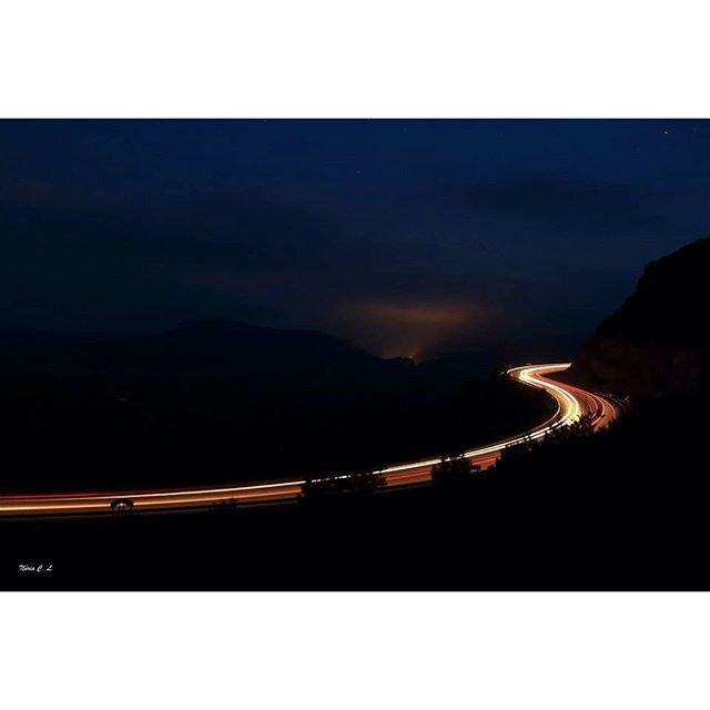 #valenciaenamora #comunitatvalenciana #loves_valencia #valenciagrafias #total_cvalenciana #fotodeldia #fotoclub_ab #ic_minimal #minimal #total_cvalenciana #comunitatvalenciana #igersvalencia #igerscomunitat #noche #nocturnal #lovevalencia #loves_valencia #minimalism #match_night #match_valencia #sunsets