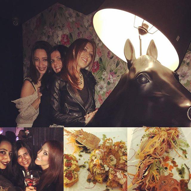 Grandes momentos con mis pius!! #recargandopilas #friendsforever #buensushi #vinito #copis #mitierra #lovevalencia