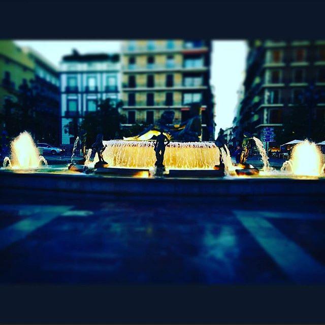 ? • Plaza de la Virgen •  #vlc #visitspain #espana #colourful #cityspaces #city #travelgram #tripgram #instatravel #instapassport #loves_valencia #lovevalencia #instavsco #igers #picoftheday #like4like#likesreturned#likeforlike#instavscocam#instavscogram #igs #tagstagram #tagsforlikes #archilovers #architecture #architecturelovers #architectureloverspics