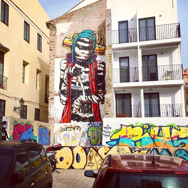 #pinturas #valencia #valenza #murales #streetart #ciutatvella #barriodelcarmen #ciudad #españa #instavalencia #love_valencia #24grados #6deenero #lovevalencia #elcarmen