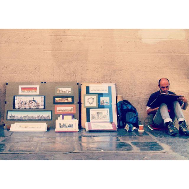 Arte en la calle. #valencia  #lovevalencia #travelblog  #travel  #wanderlust  #feelmywanderlust #streetart #art #tourism