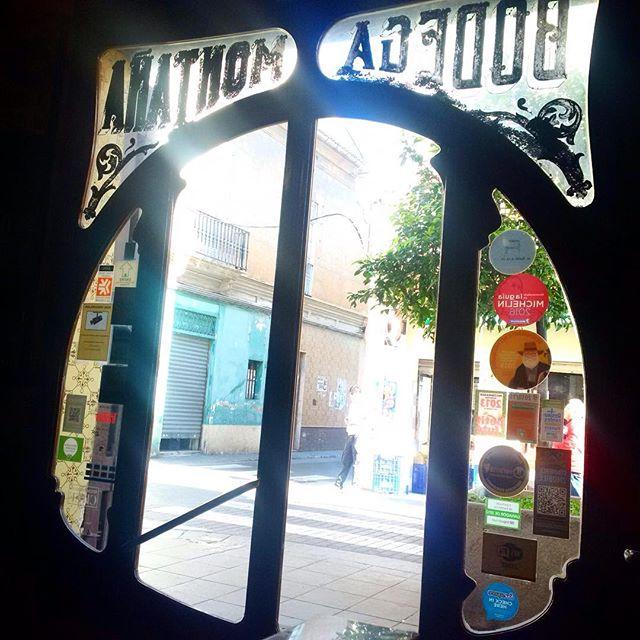...Para el Alma  #bodega #taverna #casamontana #restaurant #comida #lovevalencia #light #michelin #nofilter