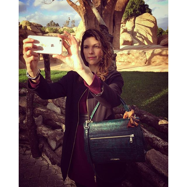 Selfie time. #aboutme#selfie#selfievalencia#valencia#bioparc#spain#holiday#instafun#igersoftheday#igersvalencia#instamood#instalike#iphoneonly#iphonesia#couple#lovevalencia#beautifulcity#sunnyday#lovesun
