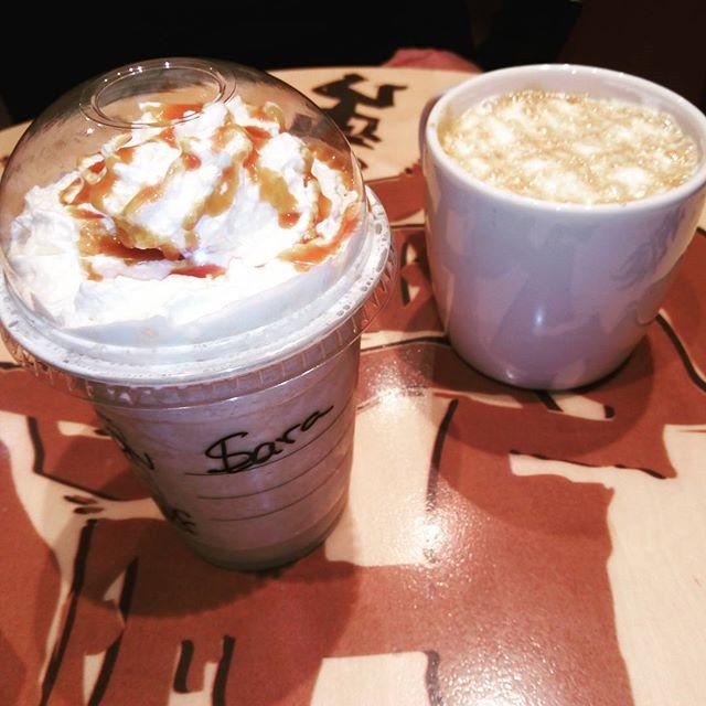 Con nata y caramelo , por favor , va por @saravalls87 @saracoso @sararx3 @sarixrocks @sari1984 @saracaparros @_saracarbonero_ @saracarbonero @sarabeara__ #frapuccino #sturbucks #sturbuckscoffee #lovevalencia #cafe #caramelo #sweet #reencuentros #moments #instamoment #instacoffee #instagood #afterwork #happymonday #sogood #friends #coffetime #instacafe #café
