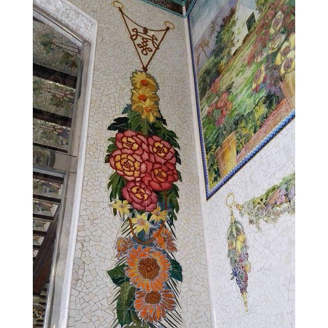 En #Valencia, de arte, no andamos escasos.  La Estación del Norte es mi primera maravilla del mundo ?  #estaciondelnorte #estaciodelnord #igersvalencia #maravillasdelmundo #modernismo #artnouveau #artdeco #lugaresemblematicos #emblema #valenciaesbonitalamirespordondelamires #lovevalencia #valenciagram