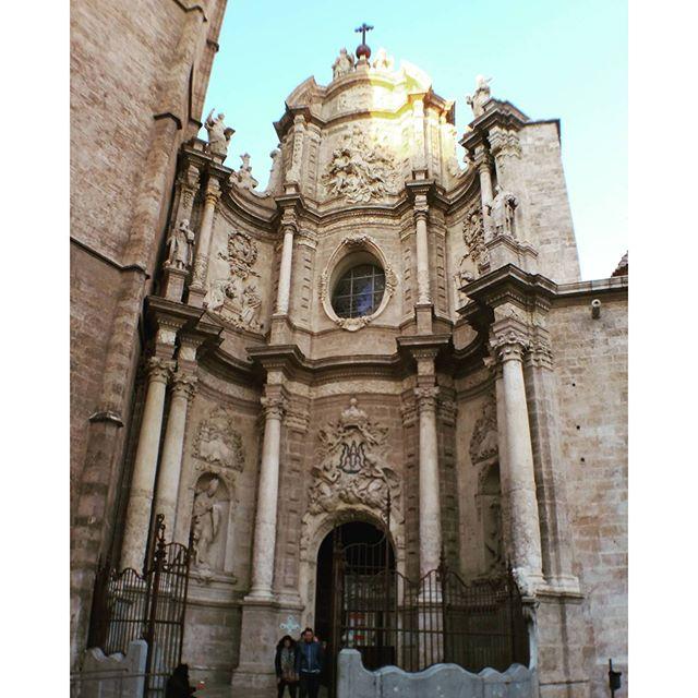 #CattedraleDiValencia #IglesiaCatedralBasílicaMetropolitanaDeLaAsunciónDeNuestraSeñora #LaSeu #Valencia #ValenciaCity #DiscoveringValencia #Vlc #LoveValencia #Loves_Valencia #Spain #España #Spagna #VivereInSpagna #UnItalianoAValencia #MammaHoPresoLAereo #PicOfTheDay #PhotoOfTheDay #? #Travel #Trip #Traveling #TravelDiares #Wanderlust #TripGram #TravelGram #InstaTravel#TravelsMind
