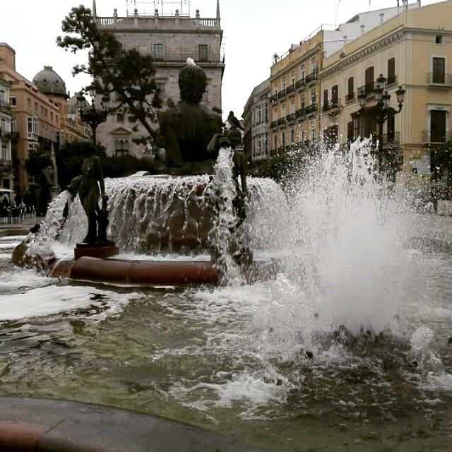 #plazadelavirgen #fuente #valencia #lovevalencia