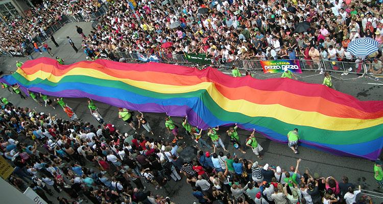 gay valencia