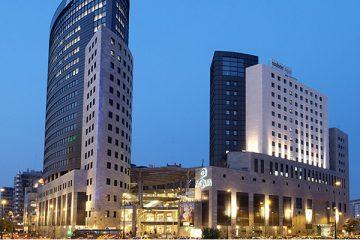 Centro Commerciale Aqua Valencia, Shopping a Valencia