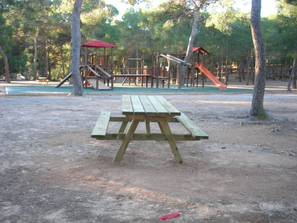 Picnic tables in Santo Espiritu