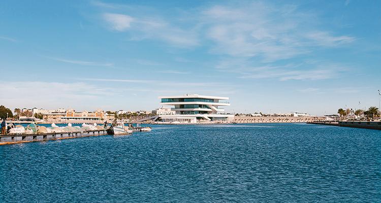 Salir Por El Puerto Love Valencia