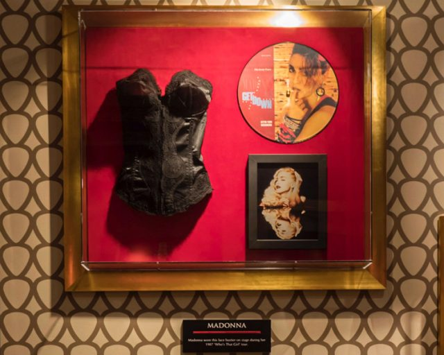 memorabilia hard rock cafe valencia