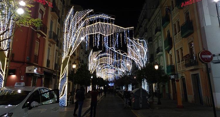 Resultado de imagen de calles iluminadas fallas 2019