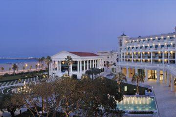 Hotel las arenas all summer fridays