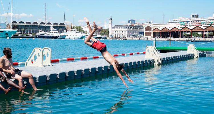 la primera piscina natural de valencia ciudad