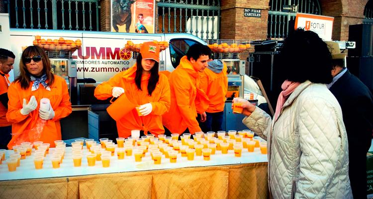 horchatada y naranjada gratis en fallas